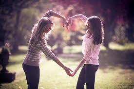 6 Cara Untuk Menguji Apakah Dia Adalah Teman Sejati Anda Atau Bukan